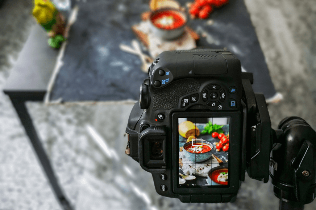 Sustainable photoshoots using natural lighting to capture food