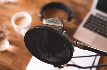 A mic recording a marketing podcast